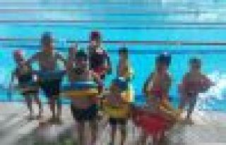 Of'ta 7 bin 500 öğrenci yüzme öğrenecek