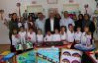 Pınaraltı Okulu miniklerinin yılsonu sergisi