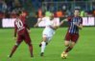 Trabzonspor namağlup lider Cimbomu 2-1 mağlup etti