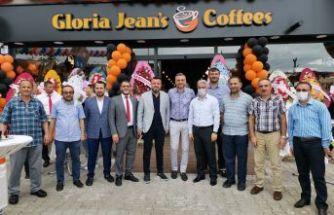 Domino's ve Gloria Jean's Coffees hizmete açıldı
