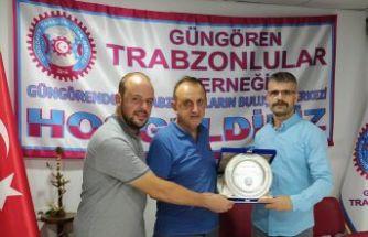 Trabzonlu Gençlerden Dervişoğlu'na gümüş plaket